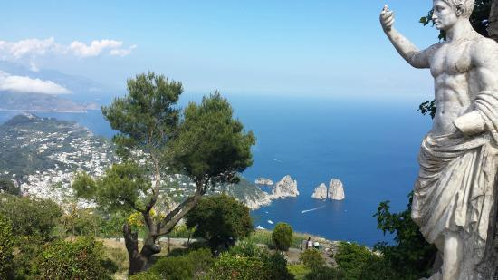 ITALIA si Insula Capri