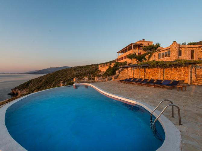 Deep Blue Villa