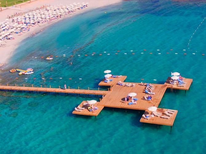 Aquasis Deluxe Resort & Spa Hotel
