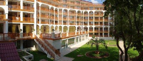 Estreya Palace Residence