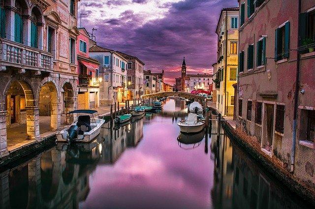 ITALIA - Marile Lacuri, Coasta de Azur si Insula Capri